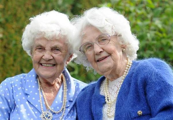 Vecākās dvīnes pasaulēMasas... Autors: dirty minded freak 10 interesanti pasaules Ginesa rekordi.