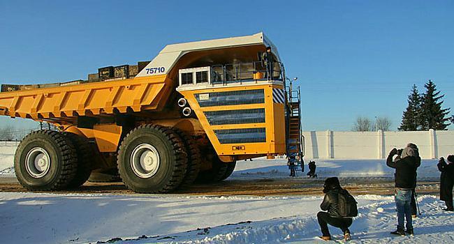 nbsp nbspPapildus tam Belaz... Autors: Mao Meow Belaz 75710 - Lielāka kravas mašīna pasaulē!